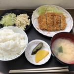 メフレ市場食堂 - マグロカツ定食600円