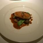 「温かい前菜。」オマール海老のソーセージ仕立て。