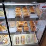 14781430 - 浅草あんぱんやサンドイッチなどです。