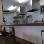 手打ち蕎麦処森下 - 店内(カウンター席から厨房)