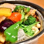 Rojiura Curry SAMURAI. - [Uber Eats利用]【チキンと1日分の野菜20品目@1,950円】ライスをSサイズにしたので、ここから-30円(1,920円)