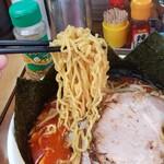 北海道ラーメン 赤レンガ - 味噌オロチョンラーメン 麺アップ