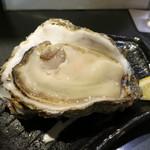 麦酒庵 - 茨城県鹿島産の岩牡蠣 (2012/09)
