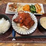 キッチン くじら - チキンカツトマトソース(日替わりのくじら定食)