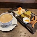 スマイルカフェ - 料理写真:アメリカンコーヒーとスマイルモーニング(ドリンク代のみで無料)