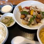 チャイニーズ 晴菜 - 料理写真:木曜ランチの黒酢の酢豚定食