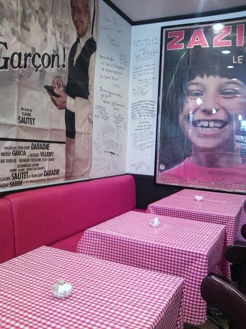 ル・プチメック 今出川店 - 赤のチェックのテーブルクロス