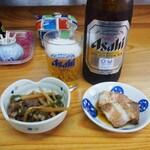 かね又 - ビール&小鉢2品