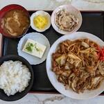 川森食堂 - ホルモン(豚)みそ焼きうどん定食 950円