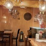 Cafe Line - 店内雰囲気  私の席は透明フィルムで間仕切してありました