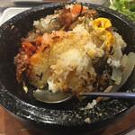 daitouen - 熱々でしっかり、お焦げご飯が出来ます。