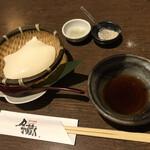 月の蔵人 - 自家製手づくりざる豆腐(昆布塩 わさび塩 お出汁付き)