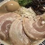 麺道 而今 総本家 - チャーシュー濃厚海のトリトン魚介ラーメン1,150円