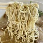 太宰府 八ちゃんラーメン - 麺