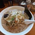 椿ラーメンショップ - 野菜たっぷりラーメン790円