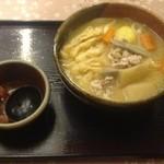 14788868 - 田舎づくりうどん ¥800 太麺