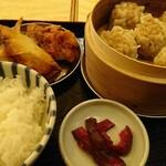 Shuumainojo - 焼売定食 +からあげ  ¥880(税込)