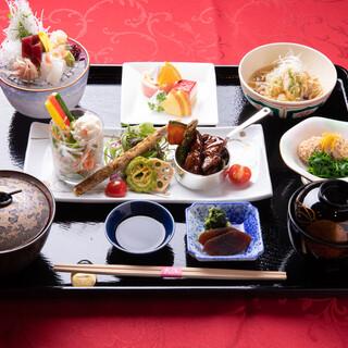 季節ごとに移ろう逸品が味わえる「大江御膳」はいかがでしょうか