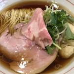 Yatagarasu - 鶏油がうっすらうかぶ