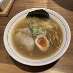 サンパチラーメン - 特中華 ¥750