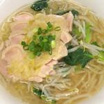 健康中華 青蓮 - 柔らか蒸し鶏麺