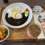 ひざしの杜 - 料理写真:黒カレーセット