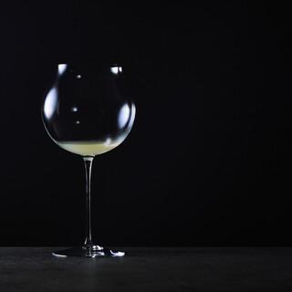 ペアリングにて料理1皿ごとに最適なワインをご提供いたします。