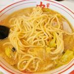 蒙古タンメン中本 - 麺はこんな具合だ
