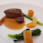 147935200 - 愛知県産牛ヒレ肉のポワレ