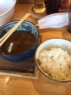 麺の樹 ぼだい - 平日ランチに無料でライスか雑炊(つけ麺のみ)がついてきます