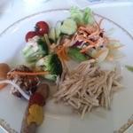 シャーウッドガーデン レストラン - 野菜サラダ、ごぼうサラダなど
