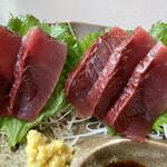刺身和食 旭屋 - 料理写真:鮮やかな赤い身