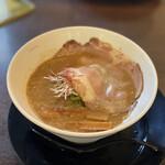 らーめん ぎん琉  - 料理写真:魚介鶏白湯(醤油味) 680円