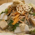 もつ焼き 肉の佐藤 - 佐藤オリジナルサラダ