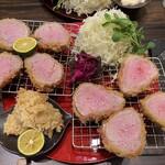 147957127 - 本日の特選ヘレカツ・シャトーブリアン定食(ダブル)と広島産牡蠣フライ
