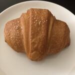 breadworks - 塩パン¥150