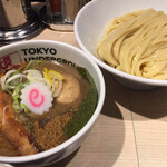 東京アンダーグラウンドラーメン 頑者 - 特製つけめん (麺200g)