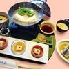 Koudaijihashiba - 料理写真:湯豆腐と名物ゆばかけご飯