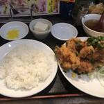 大洋軒 - ライスは皿で提供