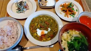 カシカ - 4種の豆のペルシャ風煮込み