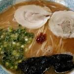 桃苑 - 料理写真:大盛ラーメン(にんにくちょっと)