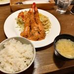 洋食バル ウルトラ - エビフライ(限定15食) 1,100円