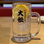 大衆 焼き肉ホルモン 大松 - レモンサワー