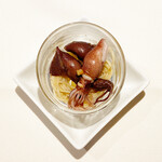レストラン ラ・フォンテーヌ - 二種のホタルイカの赤ワイン漬けとカッペリーニ