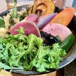 148005598 - チキンと鎌倉三浦16品目野菜のスープカレー 2021.02
