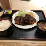 とんかつ荘 フジマル - 料理写真: