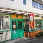 亀井堂 - 意外と可愛らしいメルヘンチックなお店