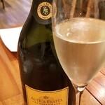 イタリア料理 スペランツァ - お酒①アンティカ・フラッタ・ブリュットNV(フランチャコルタ、イタリア)(1,500円)       葡萄品種:シャルドネ100%
