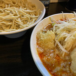豚星。 - つけ麺(950円)、ニンニクコール