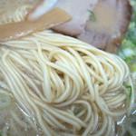14804888 - スープは甘めの豚骨スープ。ほどほどの濃厚さでボク好みでした。